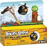 Angry Birds schwarzer Vogel mit Schleuder und Schwein, Ei, Bausteine, der Karton dient als Aufsteller -