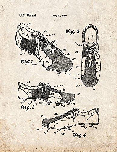 Zapato de entrenamiento para fútbol con estampado de patente de aspecto antiguo...