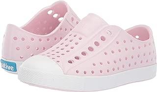 girls on sneakers