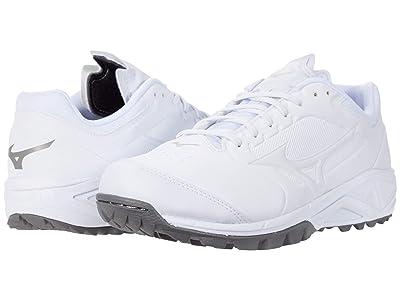 Mizuno Dominant 3 All Surface Turf Shoe (White) Women