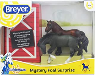 Breyer Mystery Foal Surprise Horse Box Toy   1:32 Scale   Model #5938