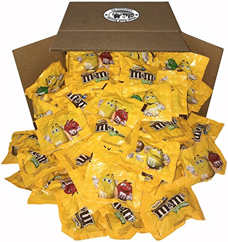 M&M's Peanut Chocolate Classic Candy (5 lbs) Bulk of Fun Size Snacks in a Bag for Party, Buffet, Pinata, Office, Wedding Favors, Halloween, Christmas, and Easter