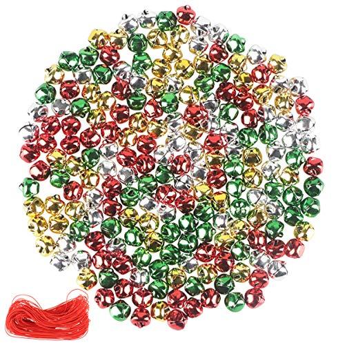 YiYa 200Pcs Weihnachtsklingelglocken Bunte Bastelglocken DIY Glocken, für Weihnachtsfest Dekoration Kranz Ferienhaus Dekoration (1CM, Gold, Silber, Rot, Grün)
