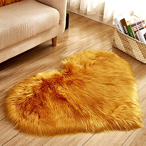 Jacqu Heart Shape Carpet, non-slip Bedroom Mat, Long Plush Pad door, Decor Ornament