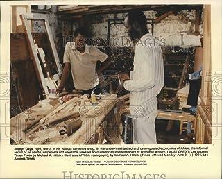 Historic Images - 1991 Press Photo Joseph Gaya Working in Nairobi Carpentry Shop - noa08741