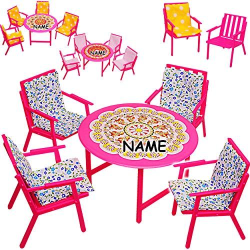 alles-meine.de GmbH Set: Miniatur - Gartenmöbel - 4 Stühle + Tisch + Stuhlauflagen - inkl. Name - Kunststoff - Möbel - für Puppenstube Puppenhaus Puppenhausmöbel - Gartenstuhl Ga..