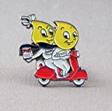 Mainly Metal Pin metálico con Esmalte, Estilo Vintage, diseño de la Marca Esso con Dos Gotas de Aceite Sobre una Moto