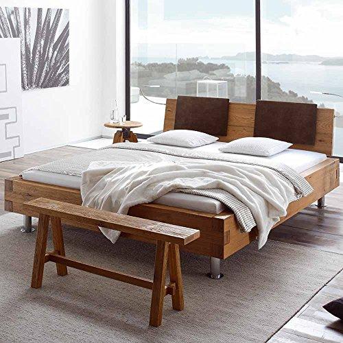 Pharao24 Bett aus Wildeiche massiv mit Klemmkissen Breite 157 cm Liegefläche 140x200 Stütz-Steg