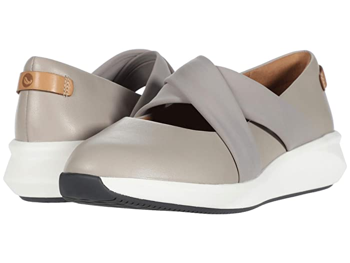 Clarks  Un Rio Cross (Stone Leather) Womens Flat Shoes