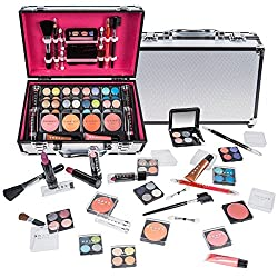 Where can I get the best makeup kits? best makeup gifts for girlfriend 1