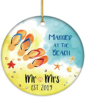 VILIGHT Mr and Mrs Married at Beach First Christmas Ornament 2019-1st Xmas Gifts for Newlywed Couple - 2.75 Inch Flat Circle Ceramic Decor with Tag & Gold Ribbon