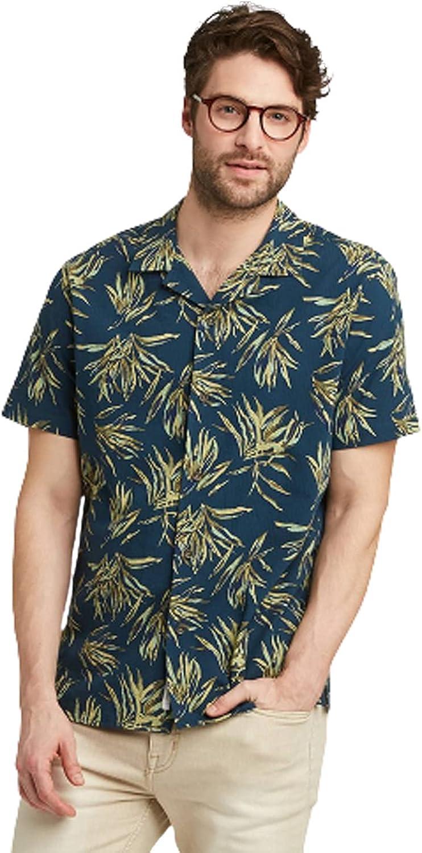 Goodfellow & Co Men's Standard Fit Short Sleeve Seersucker Vacation Ready Shirt
