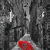 BeeTheOnly Reloj de Pared Paraguas Rojo Blanco y Negro en una Calle Estrecha y Oscura en Toscana Italia Invierno lluvioso Gris Vermilion Dormitorio Sala de Estar Cocina Reloj de casa