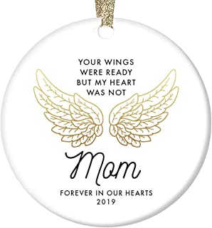 """In Loving Memory of Mom Ornament 2019 Christmas Memorial Loss of Mother Anniversary Keepsake Family Friend Sympathy Gifts Funeral Service Condolence Gold Angel Wings 3"""" Flat Circle Ceramic Decorations"""