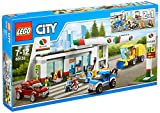 LEGO City Town - Estación de Servicio, Juguete de Construcción con Gasolinera y Vehículos para Jugar (60132)