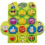 WOM What's Up Candy, Chupetes de Caramelo con un Pin en Forma de Divertidos Emojis. Piruleta de Sabor a Fresa, Display de 12 unidades de piruletas con 12 modelos diferentes de Emojis