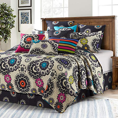 Quilt Bedding Set in King by Virah Bella - Debra Valencia Black Cream White Boho Printed Lightweight Reversible Quilt with 2 Matching Pillow Shams - Cozy & Beautiful Contemporary-Themed Bedding
