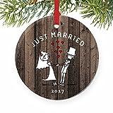 qidushop Just Married Newlywed, Regalo di Natale per la Coppia, Mr And Mrs Bride & Groom, Decorazione per la casa, Rotonda, 2018, per Uomini, Donne, mariti, Moglie, Amici/Ragazzi.