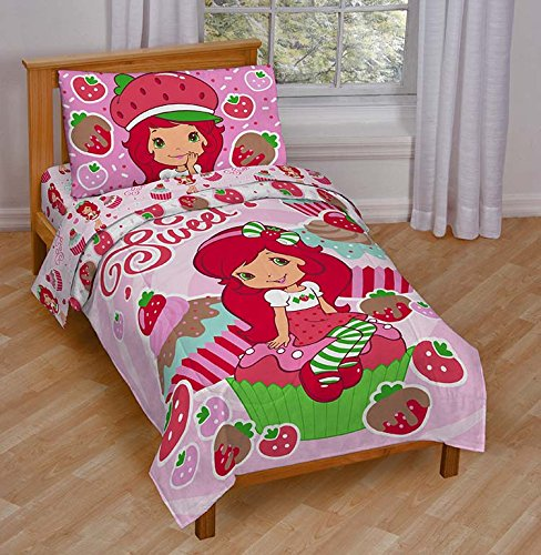 Jay Franco Strawberry Shortcake Sweet Cupcake Toddler Bed Set