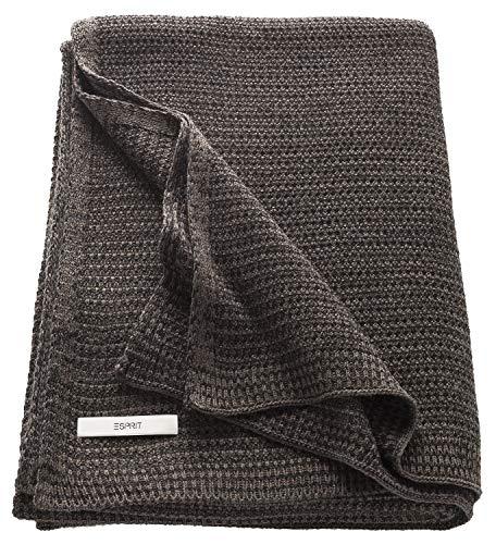 ESPRIT Knitted Kuscheldecke Braun • Strickdecke 130 x 170 cm • sehr weich und pflegeleicht • Temperatur ausgleichend • ideal für kühle Sommer Nächte