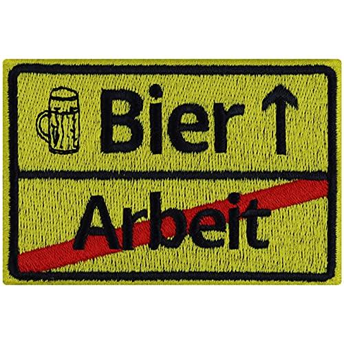 Bier-Arbeit Bierliebhaber Aufnäher lustiges Geburtstagsgeschenk für Männer Bier-Geschenk Beer Patch Sticker Straßen-Schild Feierabendbier DIY Applikation Jacke/Jeans/Schürze/Arbeitsklamotte 90x60mm