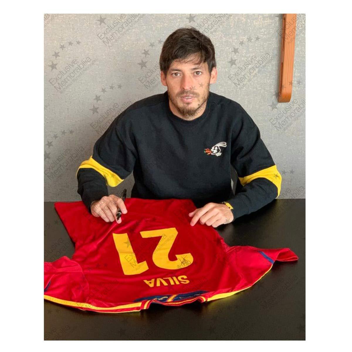 exclusivememorabilia.com Camiseta de fútbol de España 2011-12 firmada por David Silva: Amazon.es: Deportes y aire libre