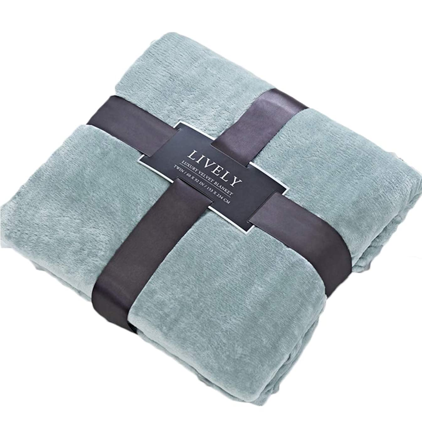 CLOTHKNOW Solid Green Flannel Blanket Throws for Bed King, Lightweight Flannel Blankets California King - 90