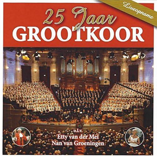De Grootkoor Project feat. Etty van der Mei & Nan van Groeningen