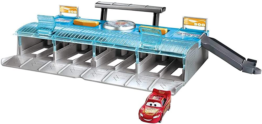 Disney cars,mega lanciatore multicorsa, pista, 1 veicolo incluso FLK12