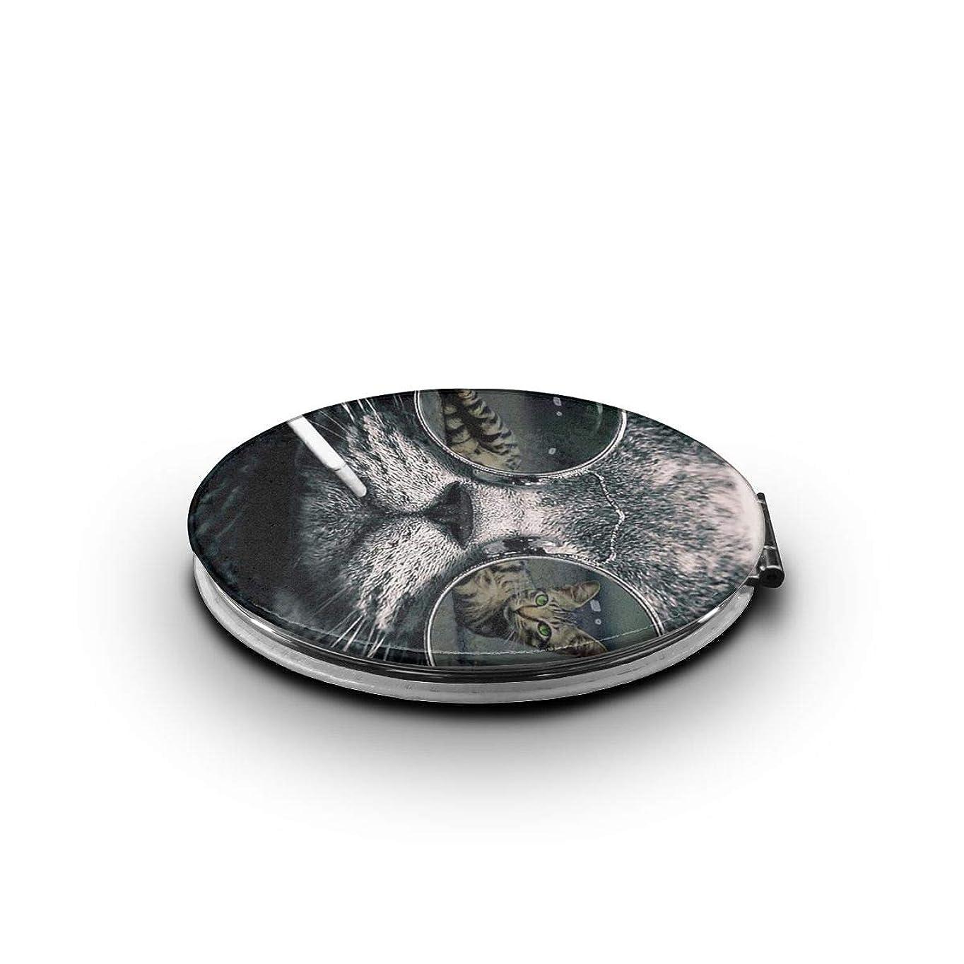 ニュージーランド脅迫ジョグ携帯ミラー ネコ サングラス 喫煙ミニ化粧鏡 化粧鏡 3倍拡大鏡+等倍鏡 両面化粧鏡 楕円形 携帯型 折り畳み式 コンパクト鏡 外出に 持ち運び便利 超軽量 おしゃれ 9.0X6.6CM