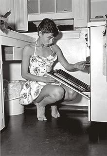 Audrey Hepburn, Actress, Model, Movie Star, Cooking, Souvenir Magnet 2 x 3 Photo Fridge Magnet