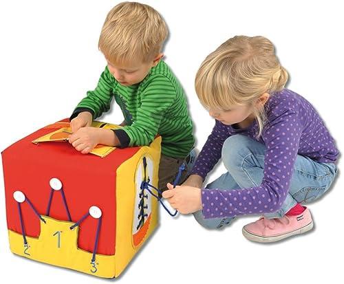 Lernwürfel zum Spielen und An- und Ausziehen erlernen