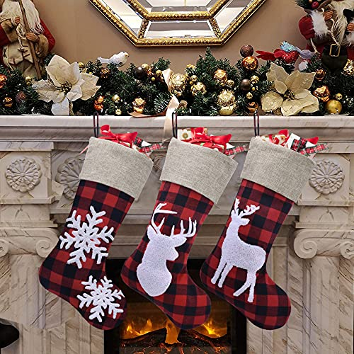 Duosheng & Elegant Calcetin Navidad Grandes Plaid Calcetines Navidad Chimenea Rojo Navidad Decoración Casa Bolsa para Dulces con Renos Copo de Nieve 3PCS