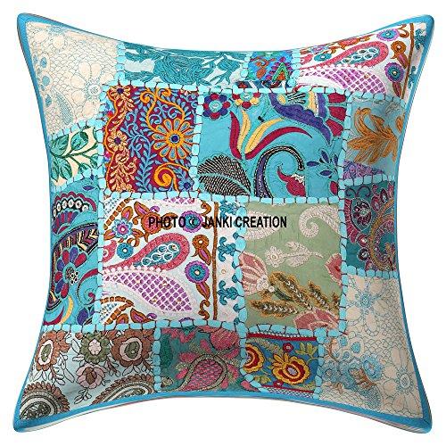 Housse de coussin décorative indienne en coton faite à la main - Patchwork brodé à paillettes - Perles ethniques - Fleurs et feuilles - Motif géométrique - 61 x 61 cm
