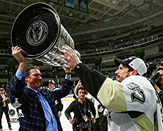 NHL Sidney Crosby Mario Lemieux Pittsburgh Penguins 2016 Stanley Cup Trophy Photo