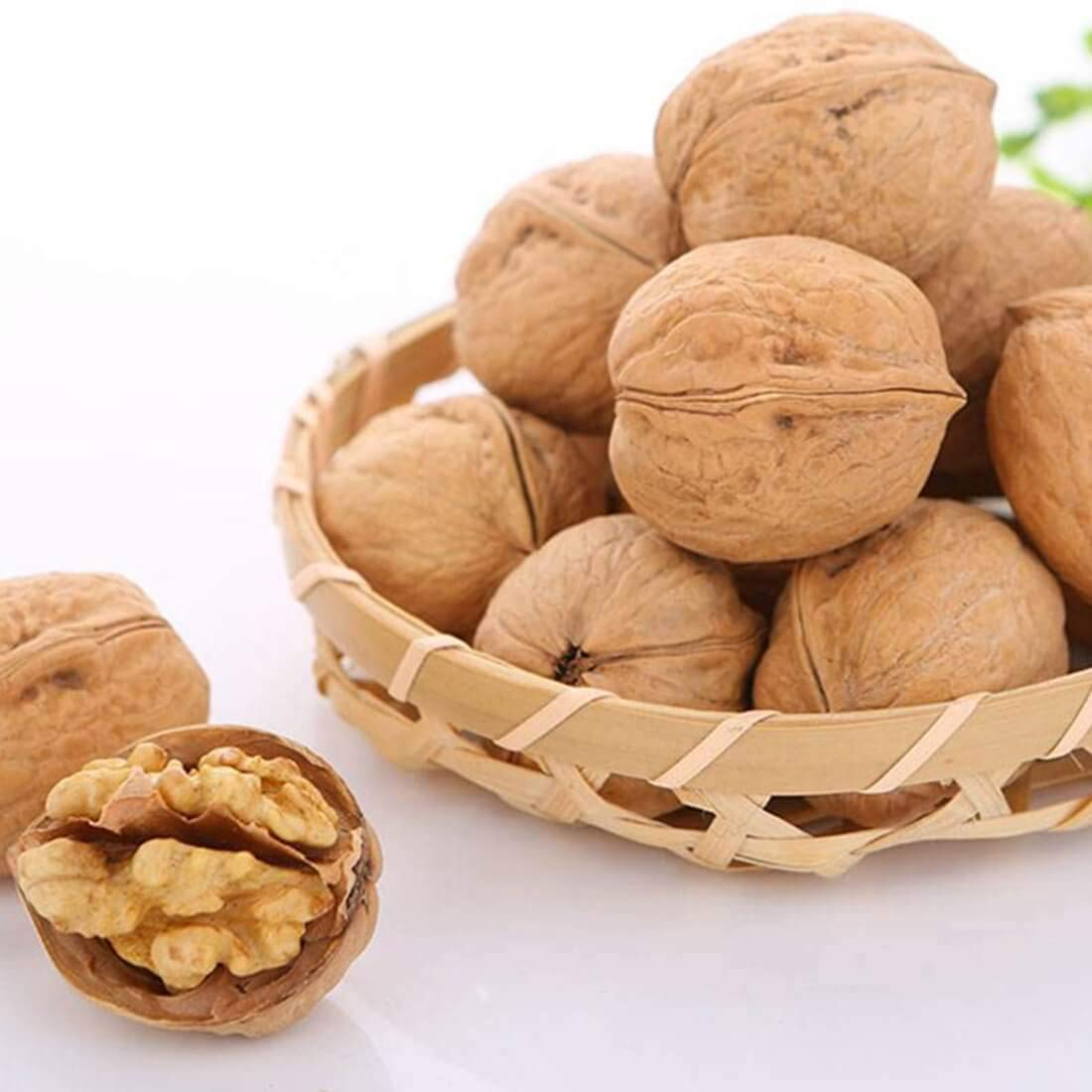 Safety and trust Xinjiang Specialty Thin Shell Hand Walnuts 17.61 Picked ou 500g Super-cheap