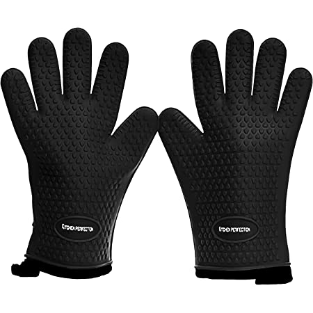 Silicone Smoker Oven Gloves - Extreme Heat Resistant Gloves  Washable Oven Mitts for Safe Cooking Baking & Frying at The Kitchen,BBQ Pit & Grill . Superior Value Set + 3 Bonuses (Black)