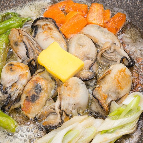 大粒の広島県産  蒸し牡蠣1kg
