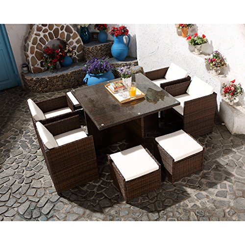 CONCEPT USINE - Salon De Jardin Miami 8 Personnes en Résine Tressée Marron Poly Rotin - 1 Table en Verre - 4 Fauteuils - 4 Poufs - Coussins Blanc - Encastrable, Résistant, Imperméable