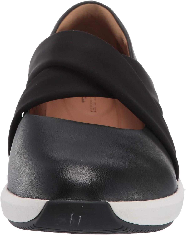 Clarks Womens Un Rio Cross Sneaker