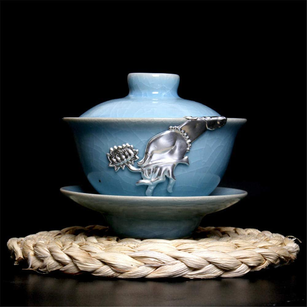 Traditional Chinese ceramic teacup Kungfu and Elegant In a popularity flower bi