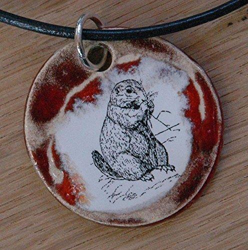 Echtes Kunsthandwerk: Schöner Keramik Anhänger mit einem afrikanischen Buschhörnchen; Backenhörnchen, Nager, Rodentia