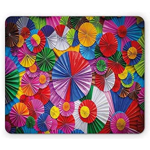 Alfombrilla de ratón Colorida, Papel de Primer Plano formado como Circular Inspirada en Origami Vista Superior pintoresca, Multicolor