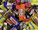 Hershey's Candy Assortment - Kit Kat Snack Size Milk Chocolate, Twix Fun Size, Kisses Gold, Reese's Peanut Butter Cups, Butterfinger, 3 Pounds Bag [FREE COOL-PACK]