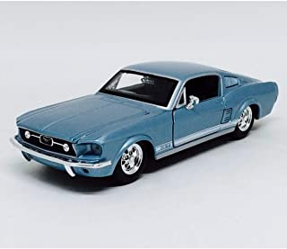 Maisto 1:24 Scale 1967 Ford Mustang GT Diecast Vehicle (Colors May Vary)