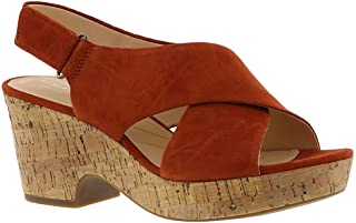 2f8410132b9e Amazon.com  CLARKS - Brown   Platforms   Wedges   Sandals  Clothing ...