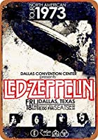 Shimaier 看板 Tin signメタルサイン 1973 Led Zeppelin in Dallas ウォールアート バー カフェ 縦30×横40cm ヴィンテージ風 メタルプレート ブリキ 壁の装飾