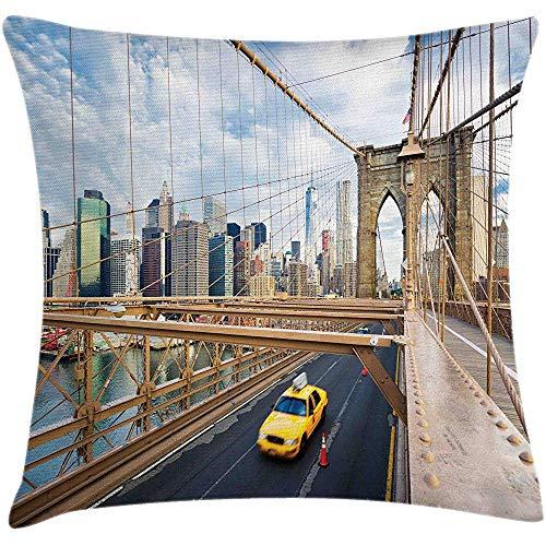 sherry-shop New York Taxi Throw Pillow Kissenbezug, Bild von Checker Cab Passing durch die Brooklyn Bridge in New York City Kunstdruck, Mehrfarbig