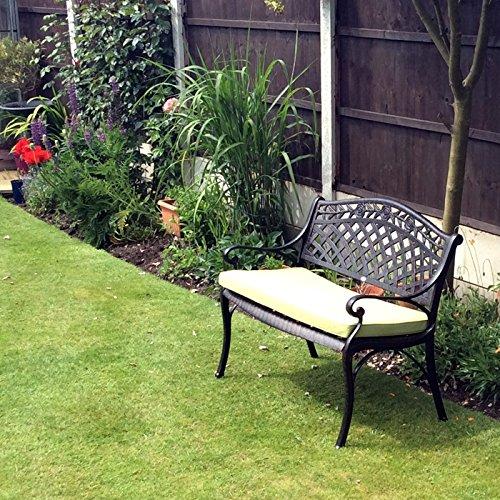 Lazy Susan – SANDRA Quadratischer Kaffeetisch mit 1 ROSE Gartenbank und 2 ROSE Stühlen – Gartenmöbel Set aus Metall, Antik Bronze (Beige Kissen) - 3