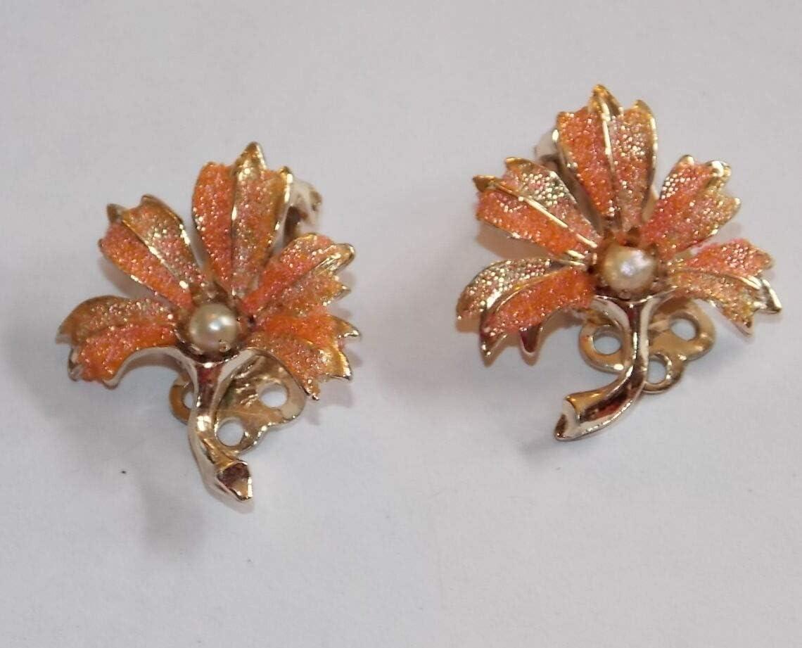 Vintage Peach Orange Enamel Flower Leaf Clip on Earring White Pearl Bead 7h 3 ES-2481